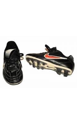 Adidasi cu crampoane Nike, marime 28