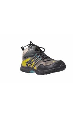 Ghete impermeabile Adidas Traxion, marime 27