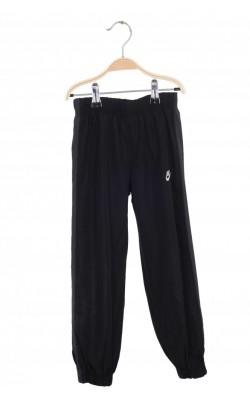 Pantaloni negri de trening Nike, 5-6 ani