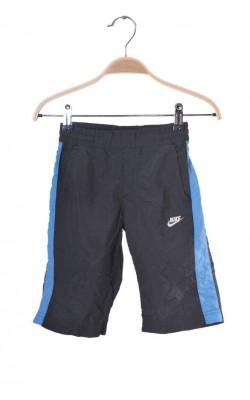 Pantaloni scurti Nike, uscare rapida, 4-5 ani