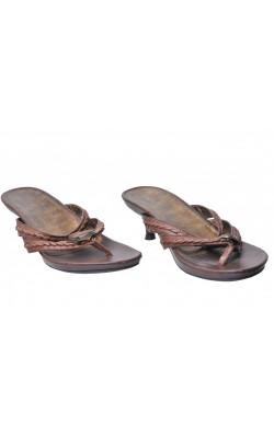 Sandale maro cu piatra decorativa Nine West, piele, marime 39