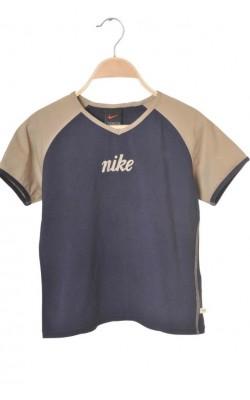 Tricou Nike, usor cambrat, 10-11 ani