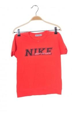 Tricou rosu imprimeu Nike, 8 ani